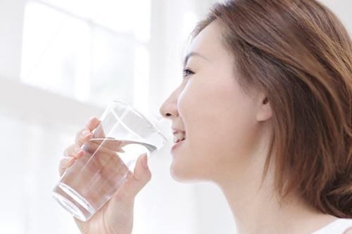 水素水 女性